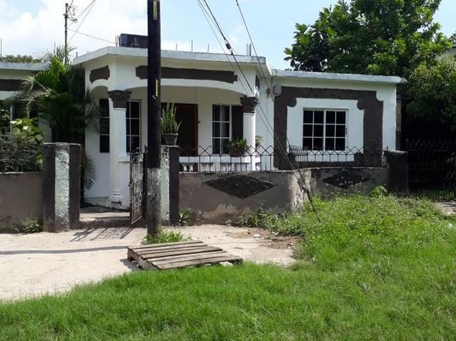 Fabulous House For Sale Lenwood Road Bay Farm Kingston 11 Download Free Architecture Designs Intelgarnamadebymaigaardcom