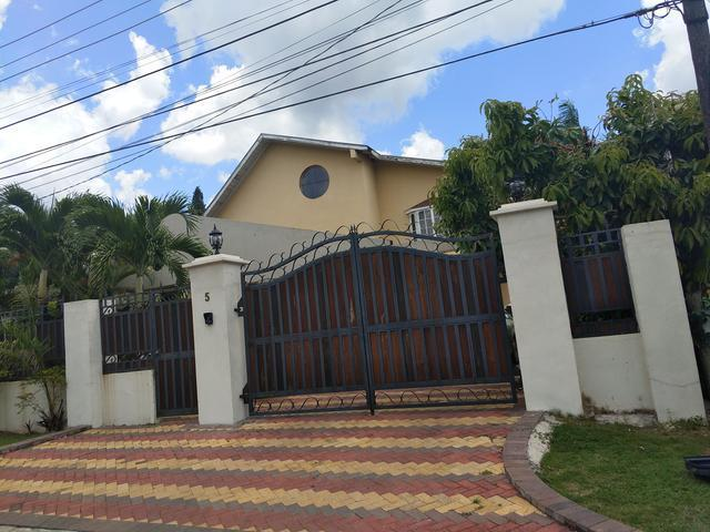 House For Rent: 5 BLAISE CLOSE, NORBROOK, Kingston 8